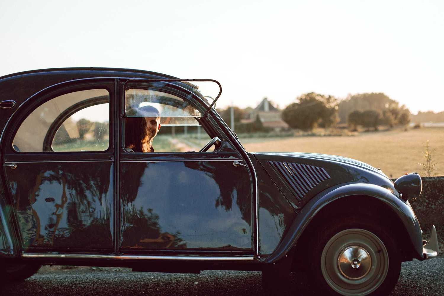 citroen 2cv couple campagne