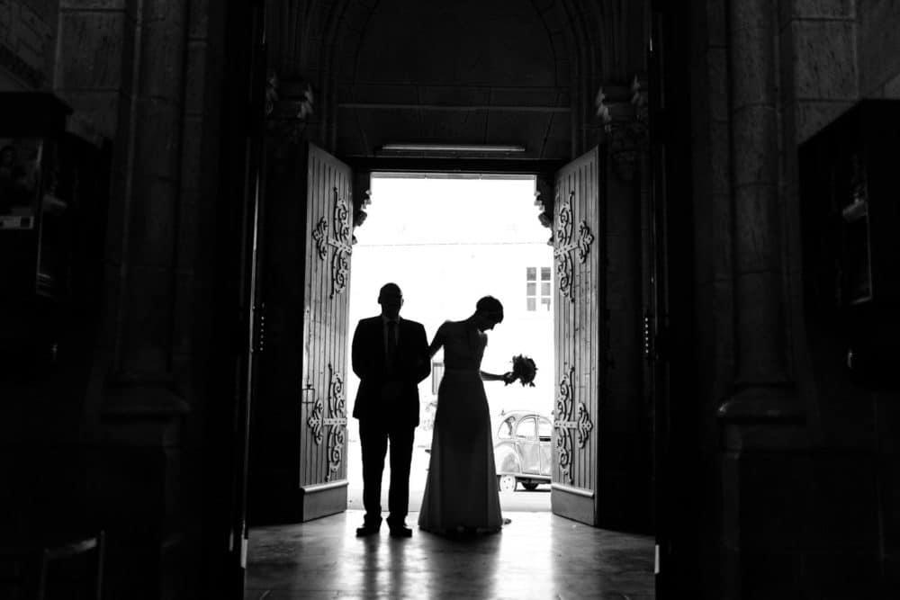 entrée église noir et blanc