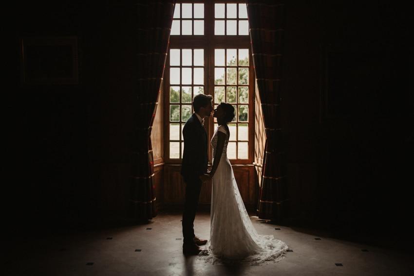 couple fenetre chateau